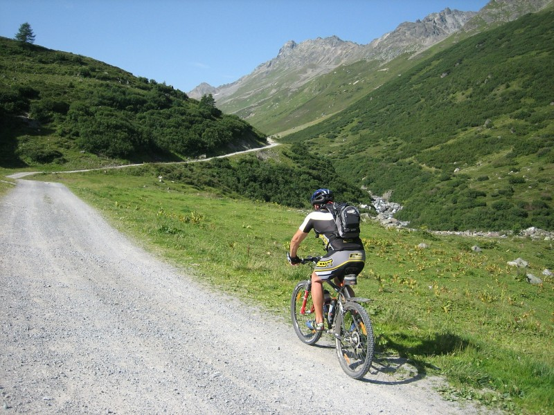 Eksklusivt og funktionelt MTB tøj giver optimal køreglæde på mountainbike-turen