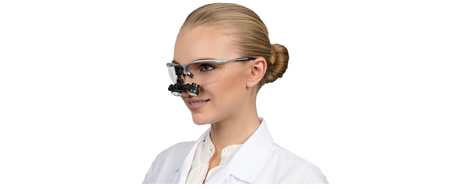 cae328329e34 Thorning Dental Optik leverer lup- og prismebriller og optik-løsninger til  tandlæger og kirurger. Løsningerne er fokuserede på at give en bedre  ergonomi og ...